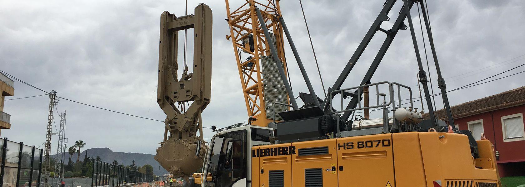 Five generations of Liebherr HS crawler cranes at work in Murcia