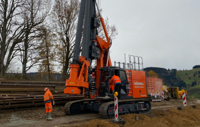 The first Bauer BG 20 H BT 50 rig goes to work