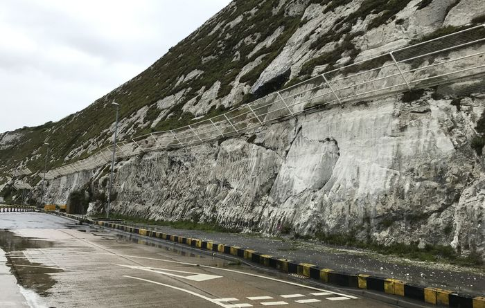 CAN to install rockfall catch fence at Port of Dover