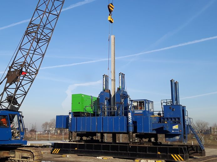 van den erg supplies silent and vibrationfree hydraulic pile pushers