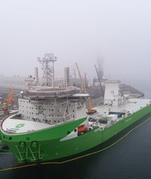 Deme's Orion vessel gets 5,000t crane installed