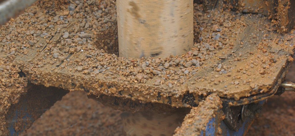 Water well drilling -  drill bits versus DTH hammers
