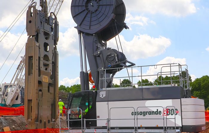 Casagrande's KHD System -  Diaphragm wall equipment