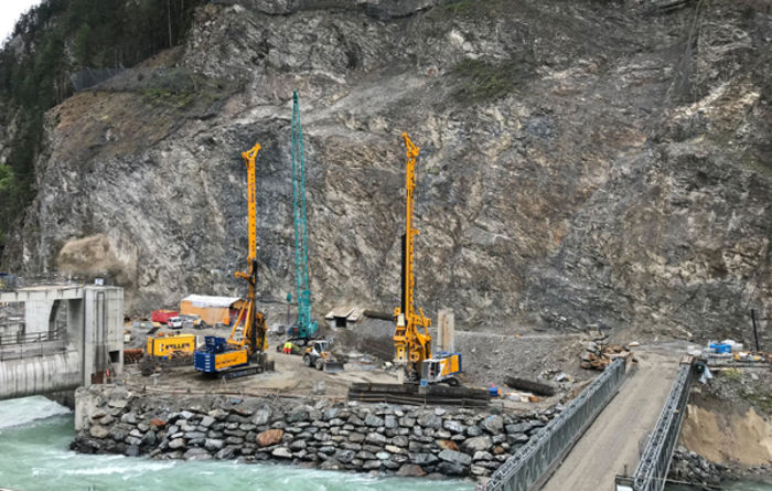 Bauer powers on at Swiss-Austrian border