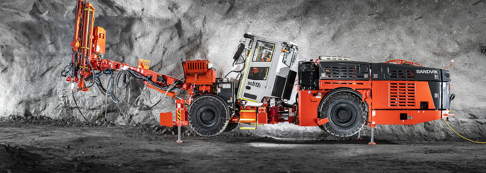 Sandvik launches DS512i rock bolter