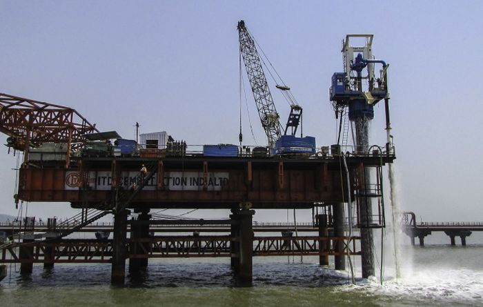 MHWirth rig piles in Mumbai