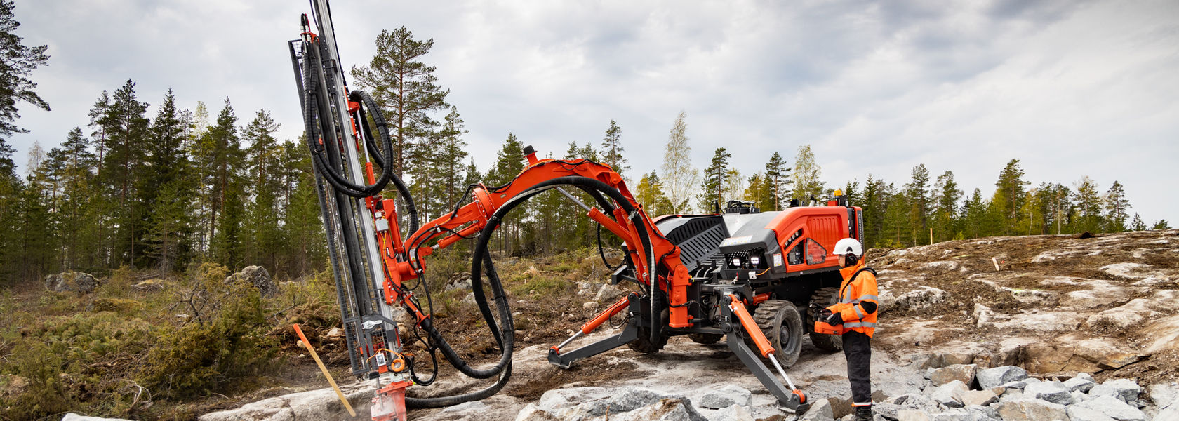 Multipurpose Commando DC300Ri drill rig launched by Sandvik