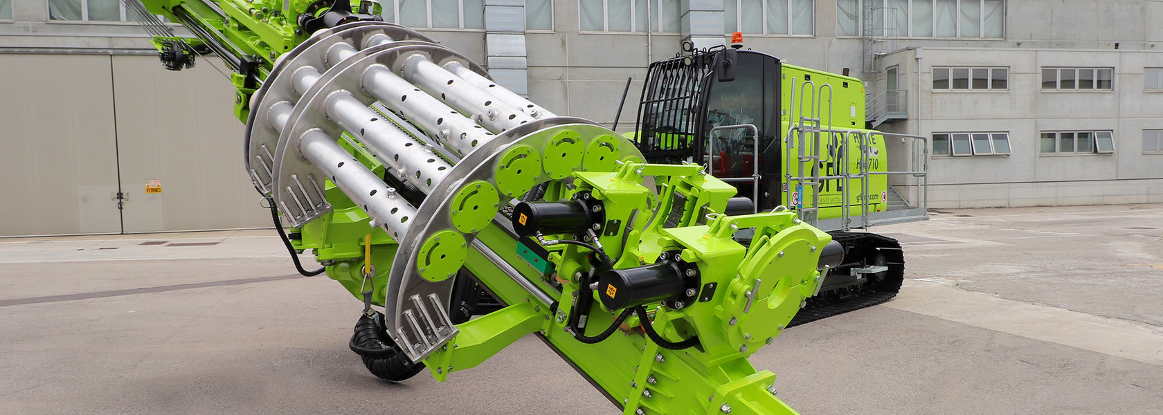 'High-Tech on Crawlers' as Hütte launches HBR 710